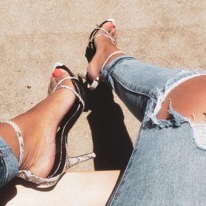 🆕️//Hot Girl Summer// White snake print heel
